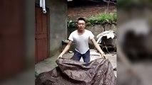 Chinois fait un tour de magie de disparition (Fail)