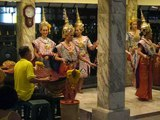 Erawan Shrine, temple dancers, Bangkok 10-2006