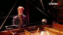 Tom Odell chante « Constellations » pour Le Parisien