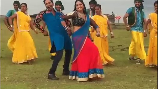 Amrapali Dubey Very Hot Shooting for Ram Lakhan - video