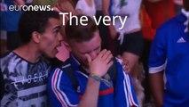 Quand un jeune supporter portugais console un supporter français en pleurs