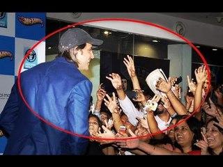 Hrithik  Roshan mobbed by Fans