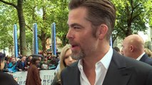 Chris Pine gushes about new Wonder Woman, Gal Gadot!
