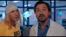 Jean Dujardin découvre la taille de son cerveau dans Brice 3