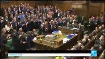 Brexit : David Cameron acclamé par le Parlement britannique