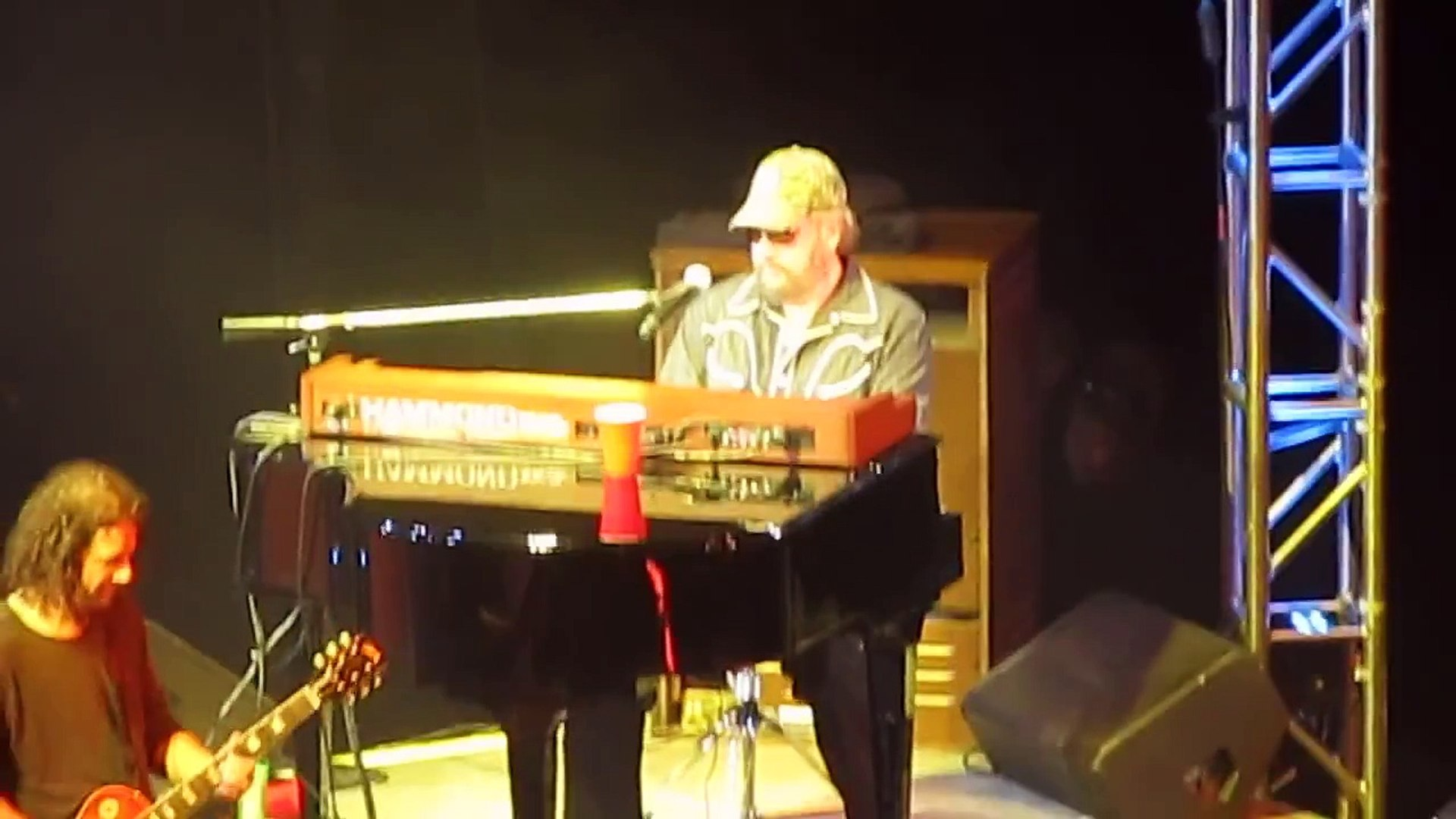Hank Williams Jr Live 4-27-2012 Playing Piano in style of Jerry Lee Lewis