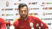 Galatasaray'da Yasin Öztekin ve Sinan Gümüş Basın Toplantısı Düzenledi
