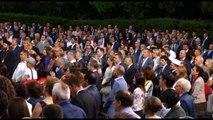 Ora News - Mesazhi i amerikanëve: Në një vend të madh të gjithë janë të barabartë