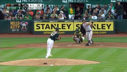 Bumgarner doubles in first at-bat in AL park