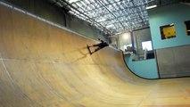 """10aines de tentatives du """"900"""" par Tony Hawk en Skateboard.. Le mec devient fou !"""