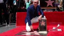 Pitbull Recibe Estrella en Paseo de la Fama en Hollywood