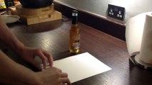 Comment ouvrir une bouteille de bière avec une feuille de papier