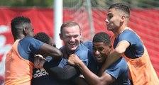 Rooney prend cher à l'entraînement de Manchester !
