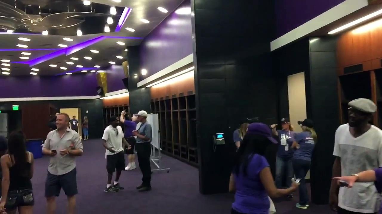 Minnesota Vikings Locker Room – US Bank Stadium.