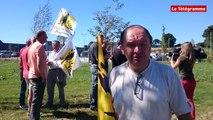 Carhaix (29). La Confédération paysanne devant l'usine Synutra