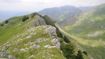 Un Passo Nel Vuoto Una Cabina Di Vetro Sulla Cima Del Monte