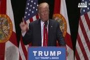 Clinton-Kaine attaccano: Trump dittatore