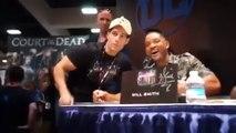 L'acteur Henry Cavill surprend Will Smith en dédicace au Comic Con