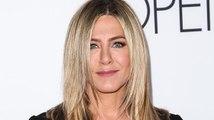 """Jennifer Aniston bringt ihr Sommer Parfüm """"Beachscape"""" heraus"""