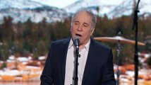 Paul Simon performs 'Bridge Over Troubled Water' at Democratic convention
