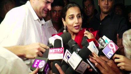 Vidya Balan Goes Watch Rajnikant's Kabali At Aurora Theatre In Mumbai || Bollywood News || News Adda