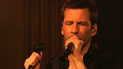 """Alex Beaupain chante """"La montagne"""" au Fnac Live Festival par Orange Musique"""