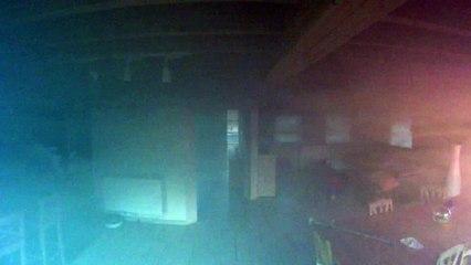 [Partie 1] Une maison prend feu mais est sauvée grâce à une caméra de sécurité