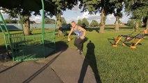 Erik Mukhametshin réalise des figures acrobatiques
