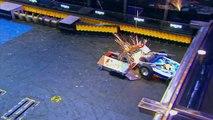 Yeti vs Lucky - Robots Fight - BattleBots 2016 Seasson2