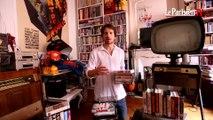 Il collectionne les cassettes vidéo VHS
