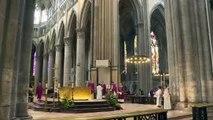Des musulmans dans les églises, la réponse des communautés religieuses aux attentats