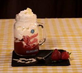 Un liégeois maison à la fraise, il n'y a que ça de vrai !