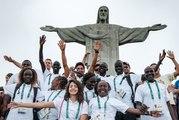 Les visages des dix athlètes de l'équipe de réfugiés aux Jeux olympiques