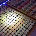 Un restaurant japonais en mode géant : sushi, maki... Dingue