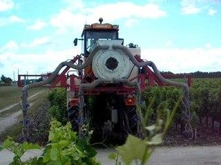 traitement de la vigne avec un renault