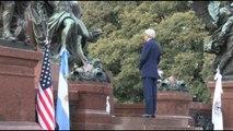 Kerry inicia su visita a Argentina con homenaje al prócer José de San Martín
