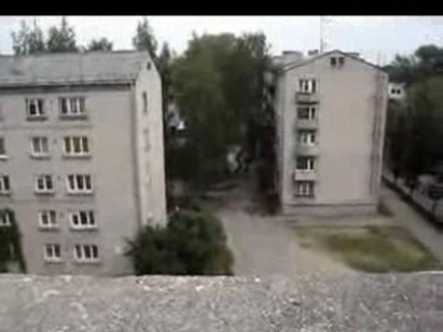 Video strepitoso di parcour russo