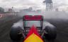 Coulthard quemando rueda con un Red Bull de F1
