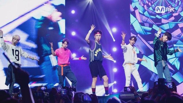 [KCON 2016 LA×M COUNTDOWN] 샤이니 (SHINee) _ INTRO (SHINee, in the house)+View