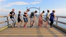 Il fait danser 100 personnes différentes sur la même chorégraphie