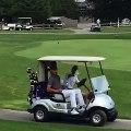 Stephen Curry joue au golf avec Barack Obama
