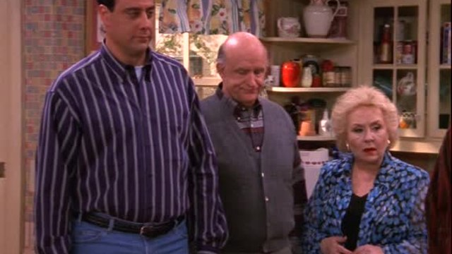 Everybody Loves Raymond - S 1 E 21 - Fascinatin' Debra