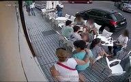 Un balcon s'effondre soudainement sur les clients d'un café