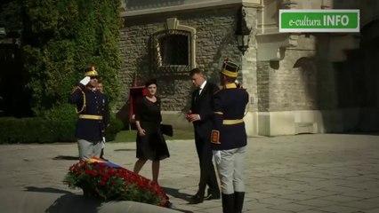 Preşedintele Klaus Iohannis omagiu adus Reginei Ana la Castelul Peleș