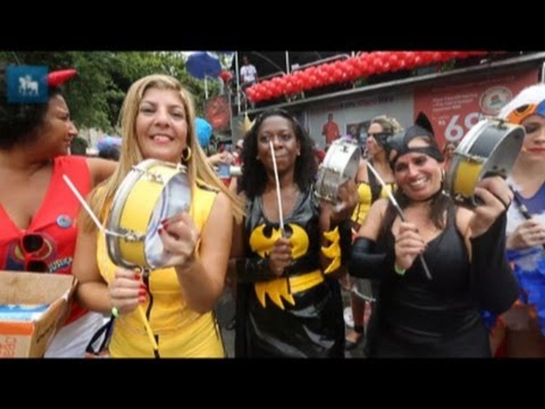 Bloco Desliga da Justiça leva super-heróis às ruas do Rio