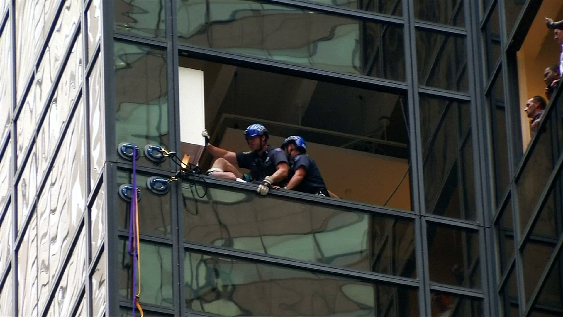 Man scales Trump Tower to meet Donald Trump