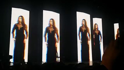 Outfit Change Break - Revival Tour Sydney!