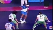 Ronaldinho Fantastic Skill and Nutmeg India Premier Futsal Bangalore Vs Goa   Scholes vs Ronaldinho