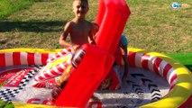 БАССЕЙН ТАЧКИ МОЛНИЯ МАКВИН Игры в Бассейне Машинки Тачки Гонки Cars Toys Lightning McQueen Pool
