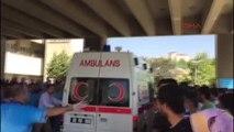 Elazığ'da Emniyet Müdürlüğü Yakınında Patlama - Yaralıların Hastaneye Getirilişi